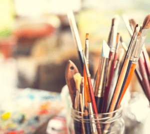 Harjulan kansalaisopistolla voi opiskella taideaineita.