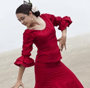 flamenco-tanssija punaisessa puvussa