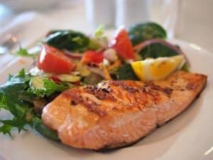 Kala-ateria tarjolla lounaaksi Harjulan ateriapalvelussa
