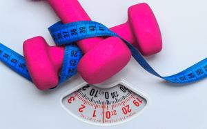 paino alas - vaaka - mittanauha - laihdutus